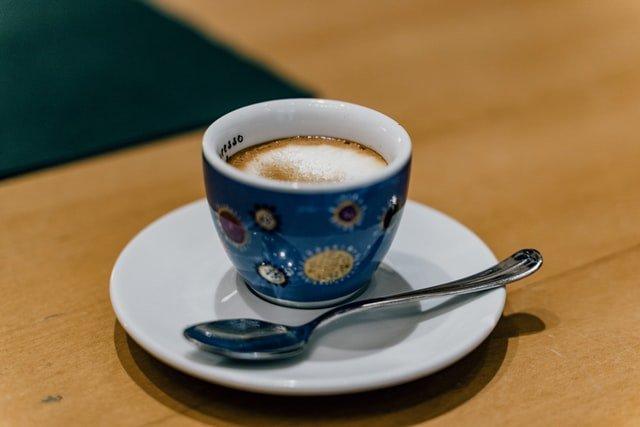 blue and white ceramic mug